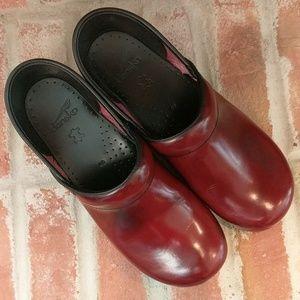 Red Dansko Clogs Size 40